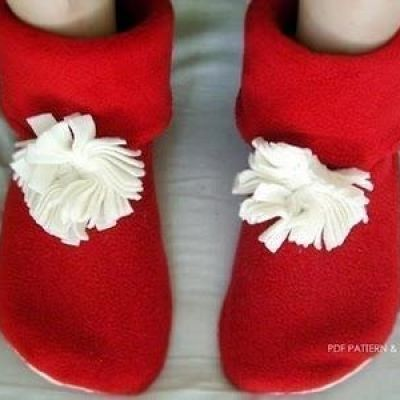 DIY Christmas Gift ~ Fleece Slipper Boots {sew} | Sewing for Kids ...