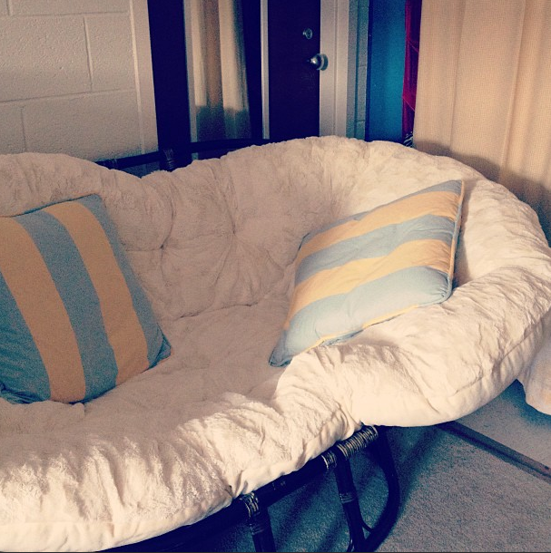 Double papasan chair great for power naps college for Papasan chair for two