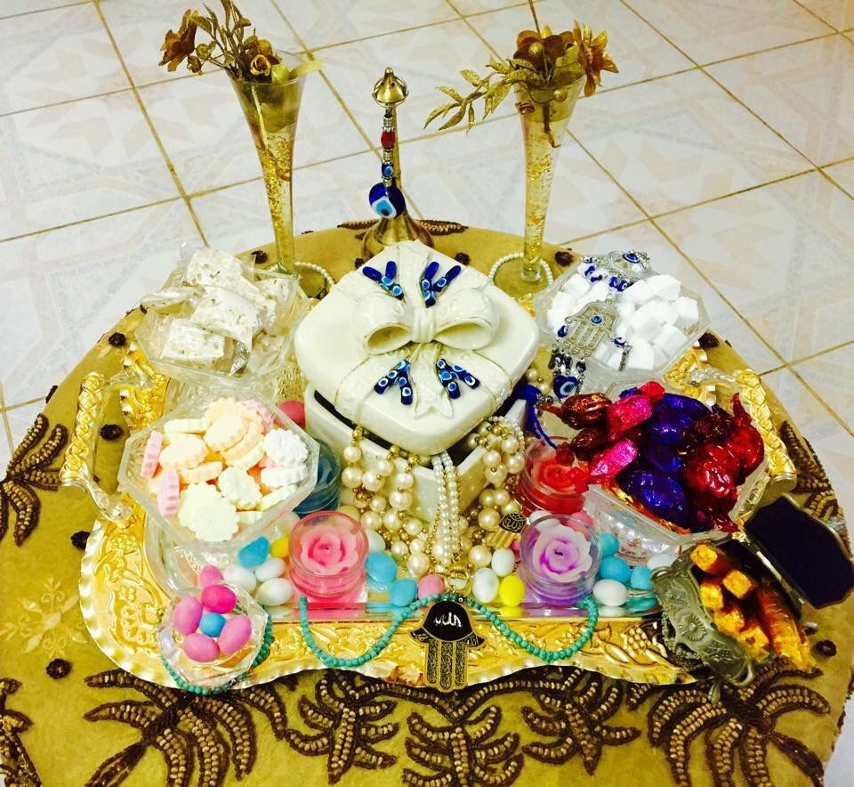 صواني زكريا من صفحة بغداد الفيسبووك وصفحة ات هوم الفيسبووك Christmas Bulbs Holiday Decor Christmas Ornaments