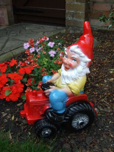 GARDEN GNOME - ON TRACTOR 824/10 - DURABLE, COLOURFAST, MADE IN GERMANY | eBay