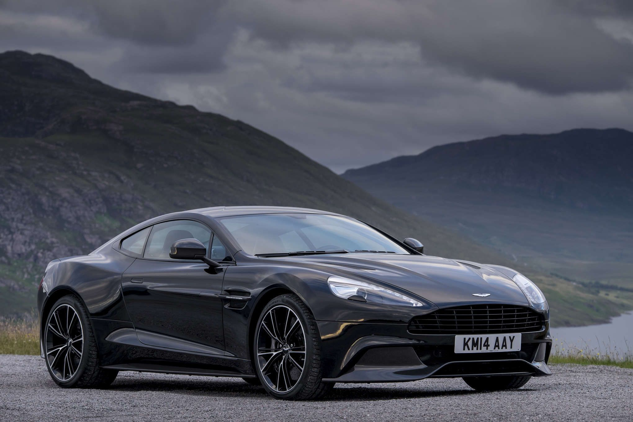 Aston Martin Vanquish Wallpapers Auto Power Girl 1920×1200 Vanquish  Wallpapers (50 Wallpapers)