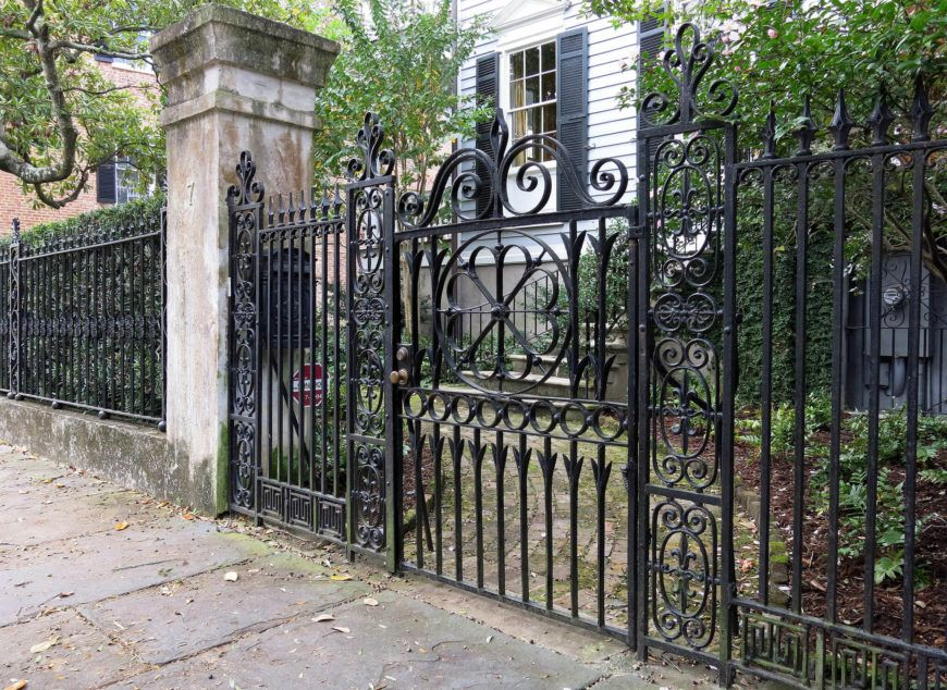 32 Elegant Wrought Iron Fence Ideas And Designs Wrought Iron Fences Fence Design Iron Fence