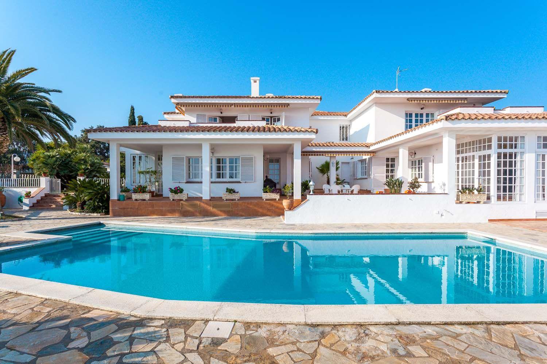 Luxury property for sale in Sant Pol (Barcelona) Casas