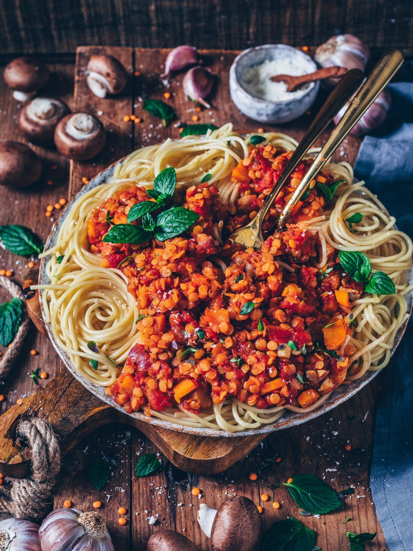 Linsen-Bolognese mit Spaghetti (vegan, einfach) - Bianca Zapatka | Rezepte