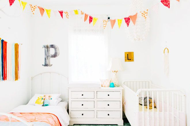 stunning coral beach bedroom | 19 stunning shared bedrooms for babies and kids Coral pink ...