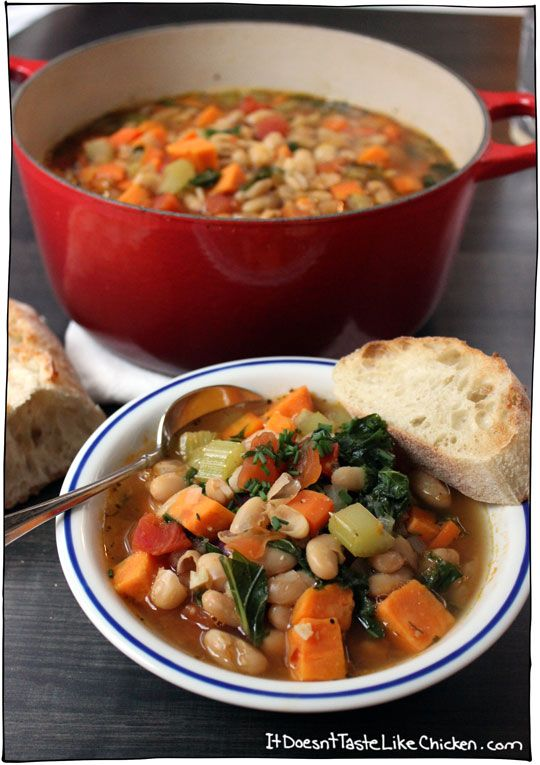 Tuscan Vegetable Soup.. It's always a good idea to have a quick and easy soup recipe on hand. Also, you can freeze said soup and have a really easy meal another day
