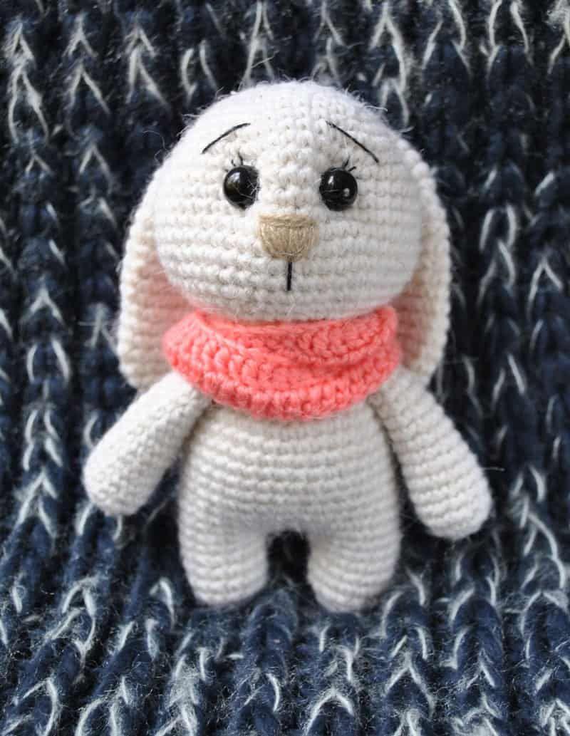 Adorable conejito amigurumi ganchillo patrón   muñeca marilu ...