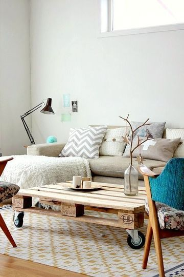 des palettes en bois deco transformees en lit tete de lit diy decoration interieur bois maison