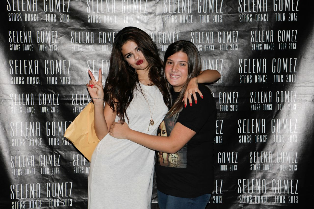 Selena Gomez Meet Greet With Fans In Milan Italy September 16