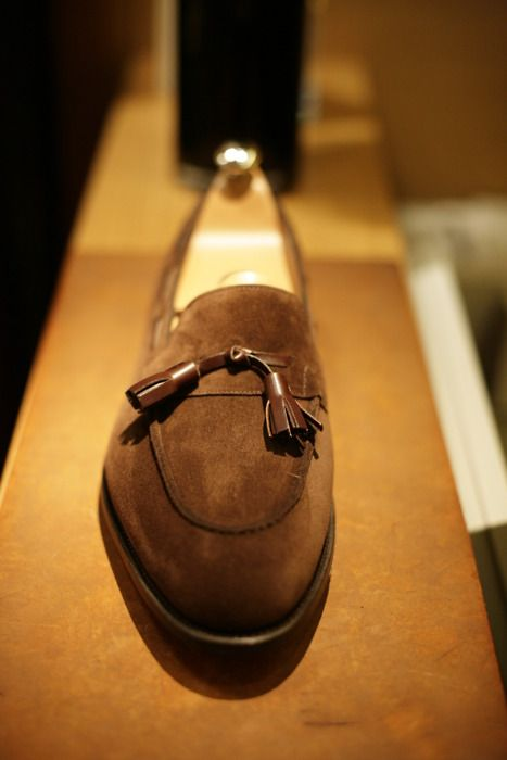 John Lobb, Jihel Dark brown suede. Dark brown tassels