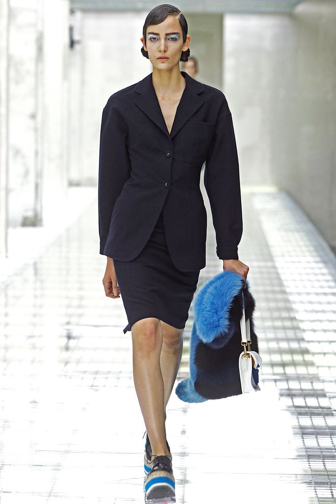 Prada - Spring 2011 Ready-to-Wear - Look 15 of 42