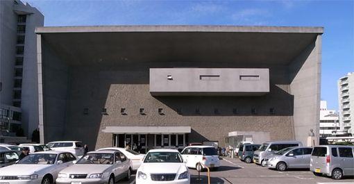 今治 市 公会堂