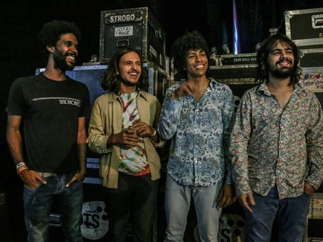 "Canal Electro Rock News: Boogarins lança single ""6000 Dias"" single do novo álbum ""Manual"""