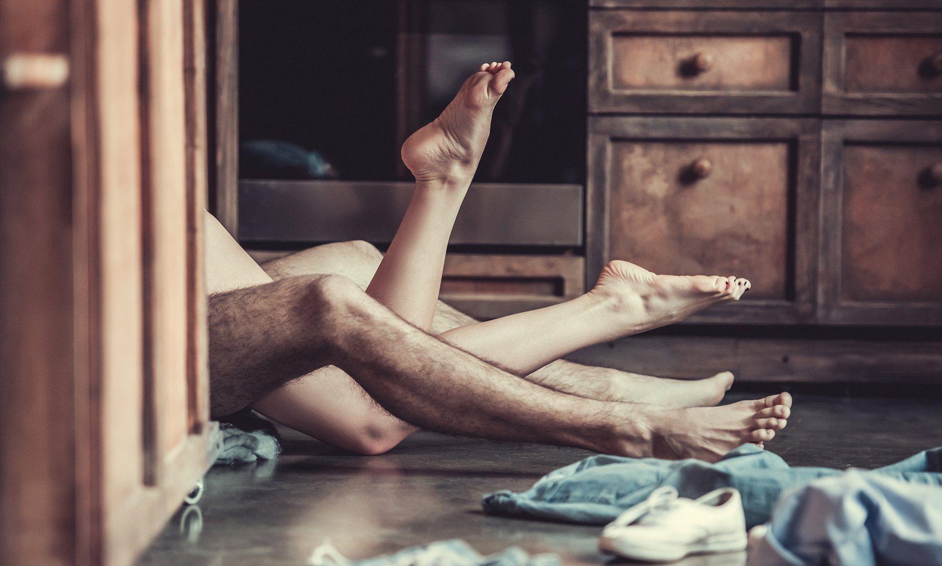 shot-great-sex-on-floor