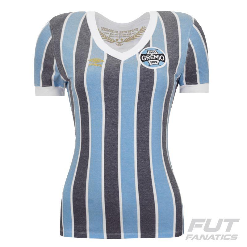 bf90fb08108df Camisa Umbro Grêmio Retrô 1983 Feminina Somente na FutFanatics você compra  agora Camisa Umbro Grêmio Retrô 1983 Feminina por apenas R  179.90. Grêmio.