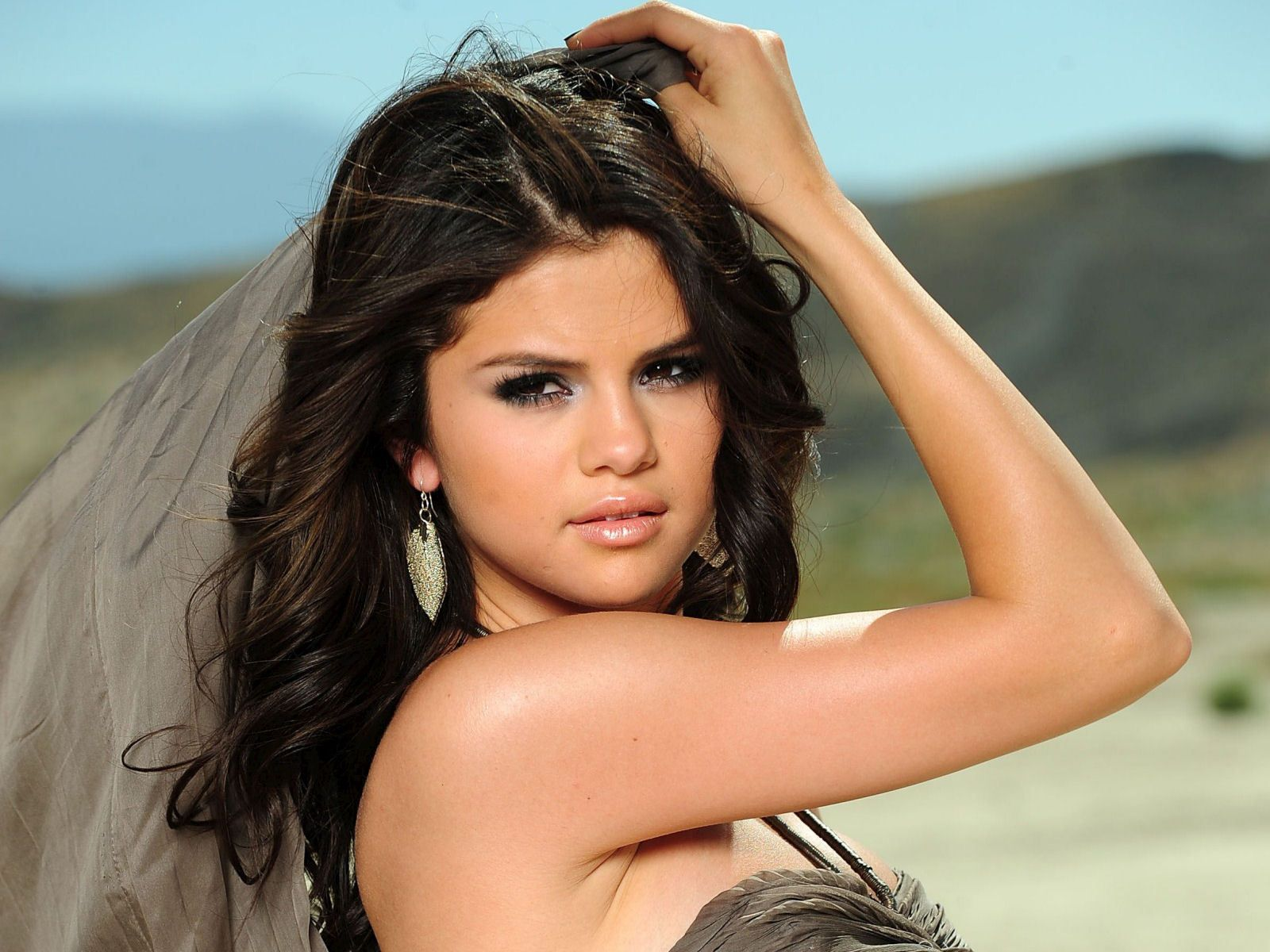 Selena gomez selena gomez lve selena gomez wallpaper explore selena gomez makeup selena gomez sexy and more voltagebd Image collections