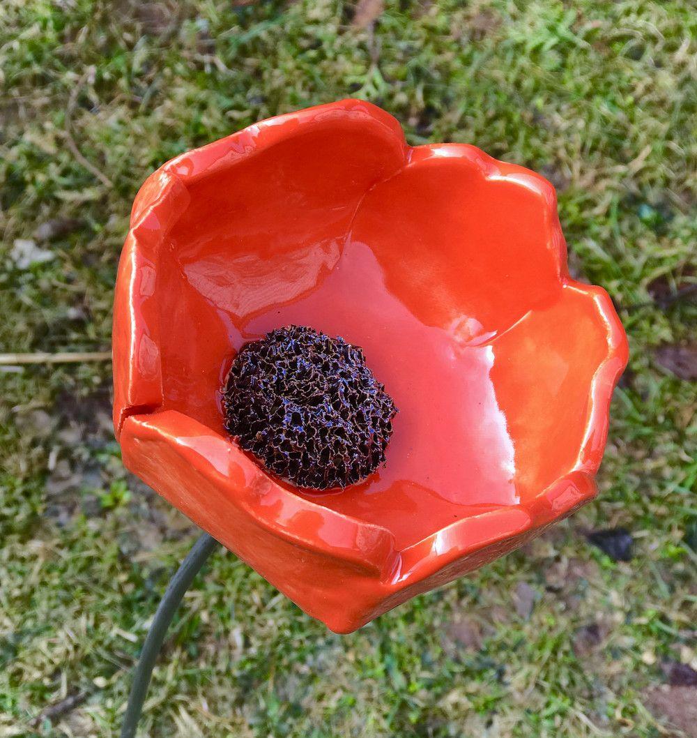 Gartendekoration Blume Mohnblume Rot Keramik Frostfest Unikat Ein Designerstuck Von Kleine Toepferei Bei Dawanda Keramik Mohnblume Blumen