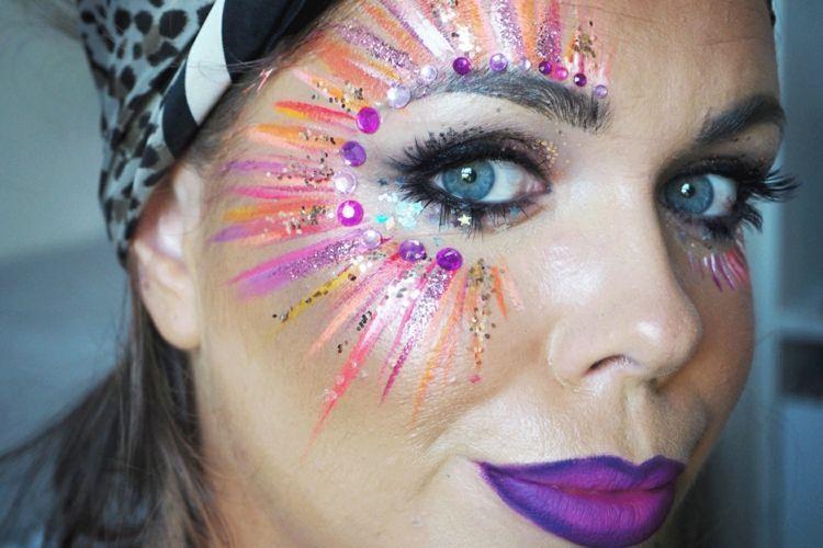 Karnevals-Make-up mit Glitzer – Ideen für einen glamourösen Party-Look!
