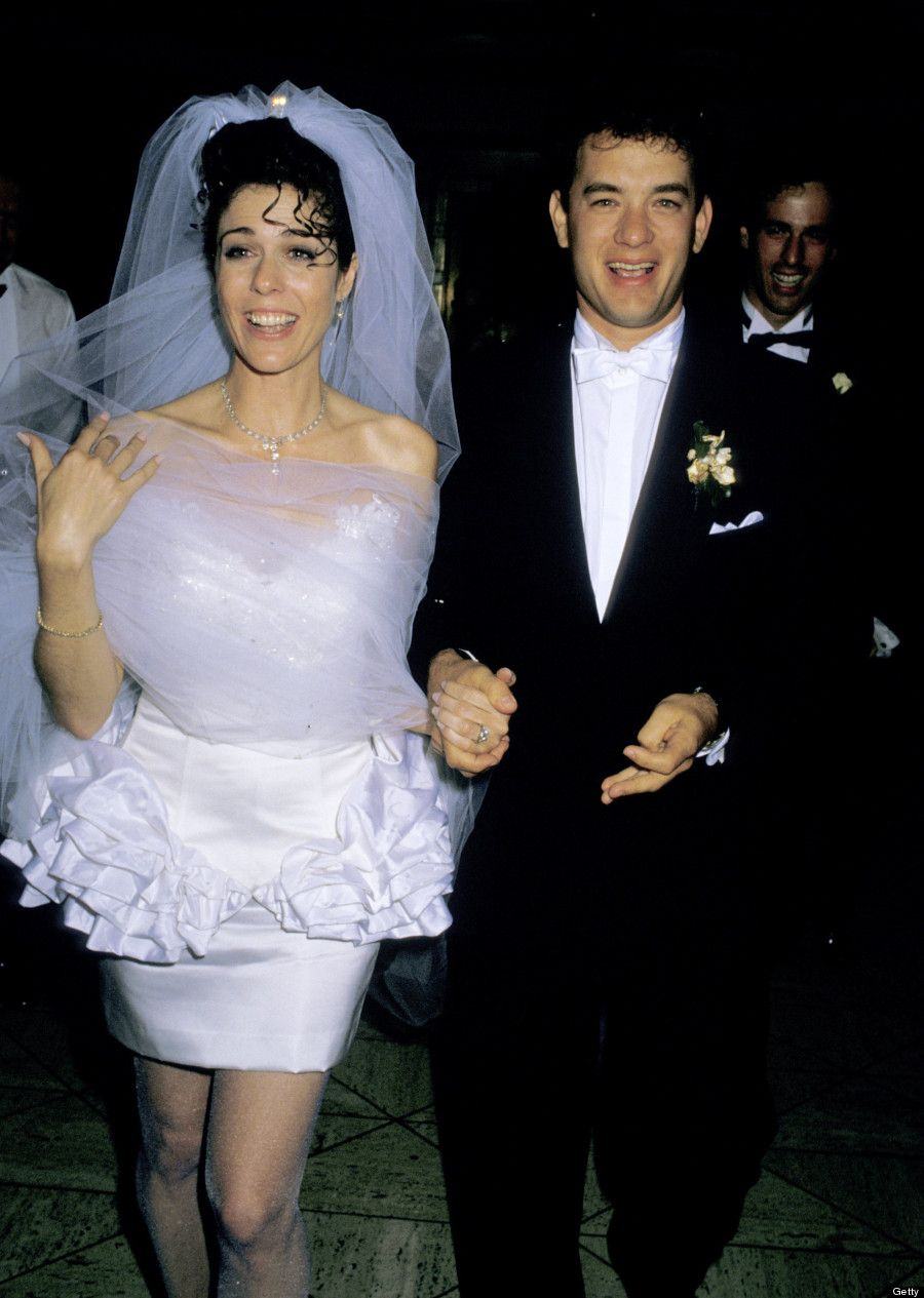 19 Photos That Will Transport You To The 80s Celebrity Wedding Photos Celebrity Wedding Gowns Celebrity Bride