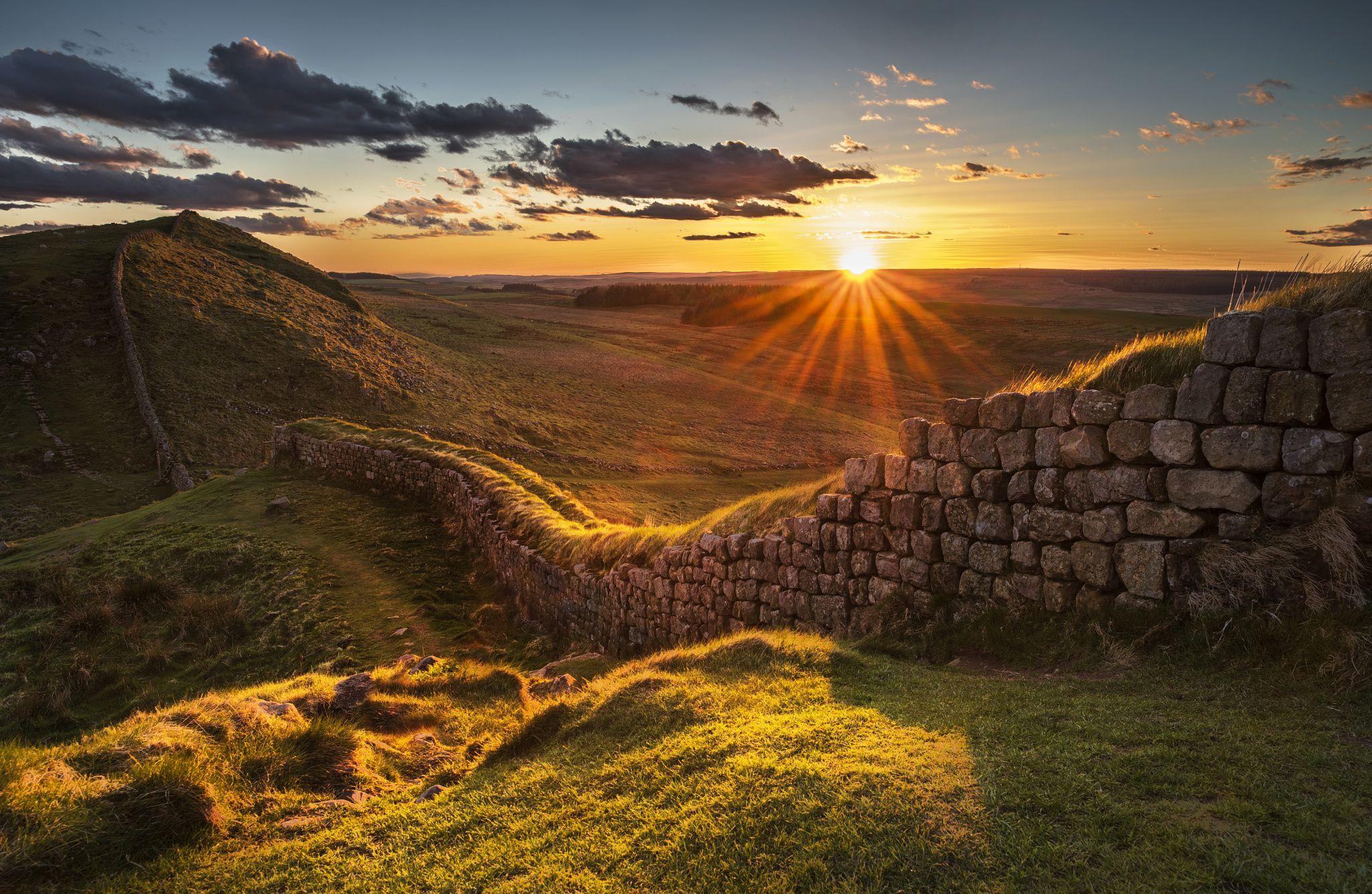 Roman Wall Sunset Sunset Over Rapishaw Gap On Hadrian S Wall Northumberland England Hadrians Wall Sunset Scenery