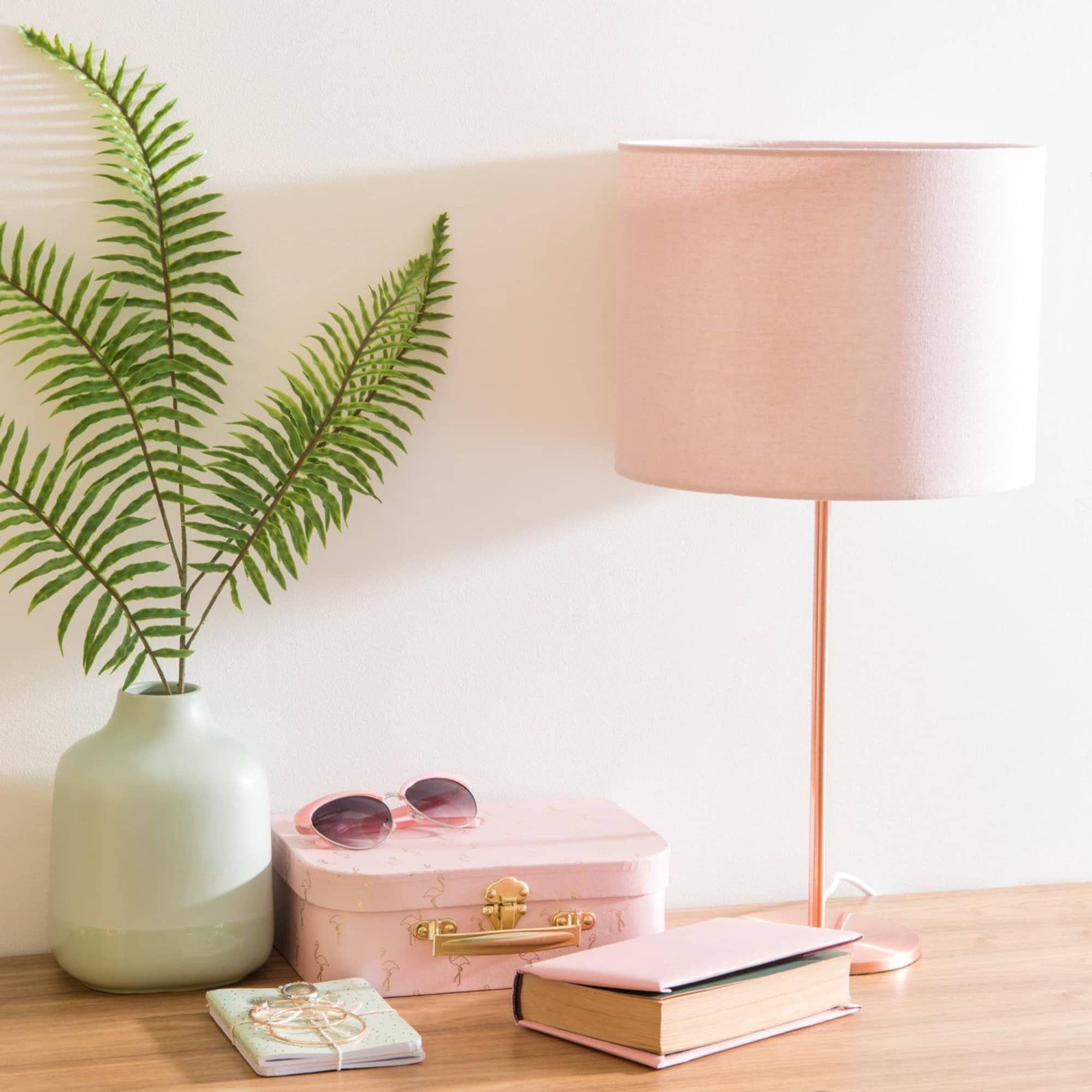 Lampe En Metal Cuivre Abat Jour Rose Maisons Du Monde Deco Rose Abat Jour Lampes De Table
