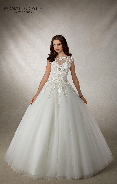 69118 0059 Zoom Jpg 1556 2448 Wedding Dresses Uk Wedding Dress Shopping Contemporary Wedding Dress