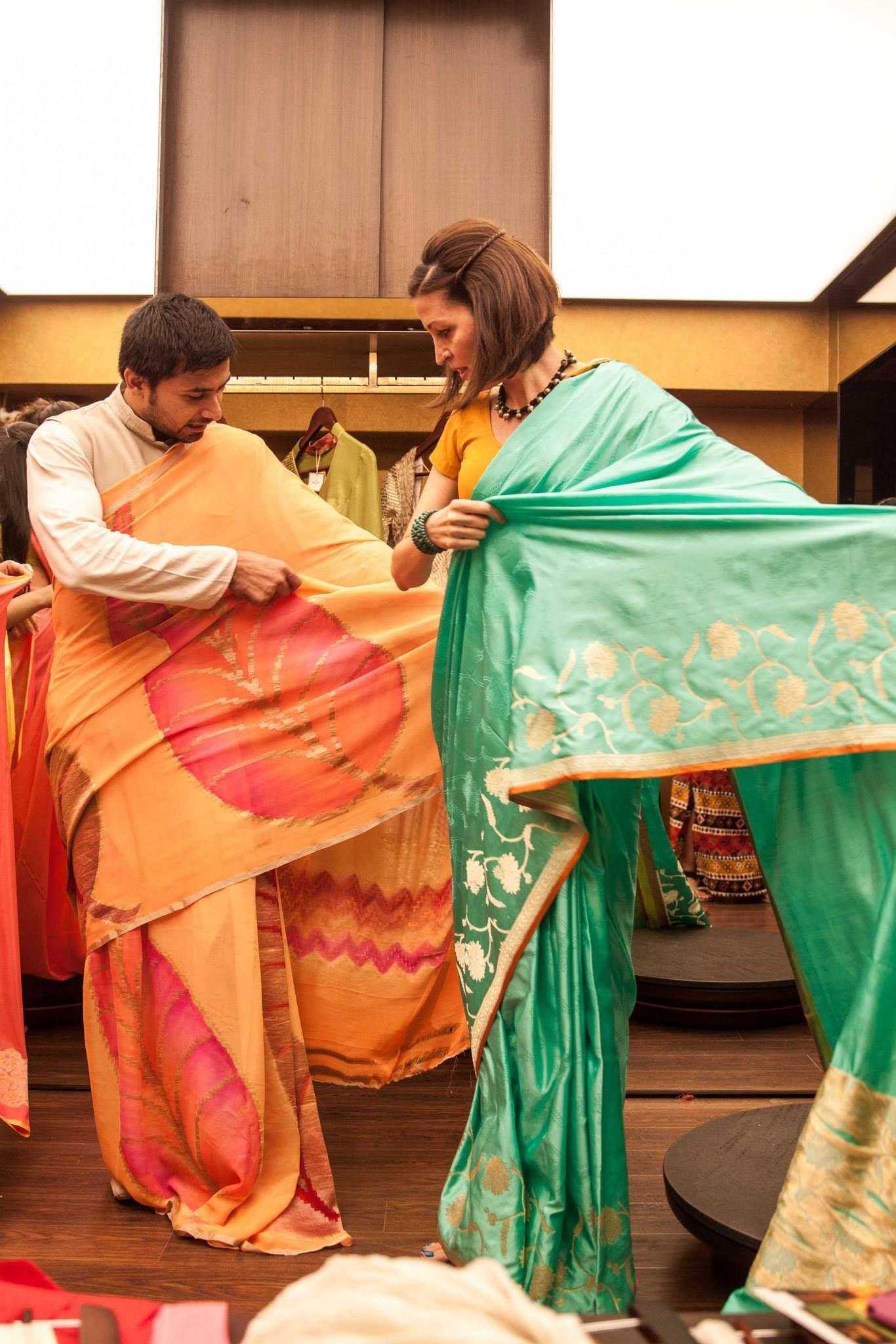 gorgeous ladies at ladies itus not complicated decoding saris