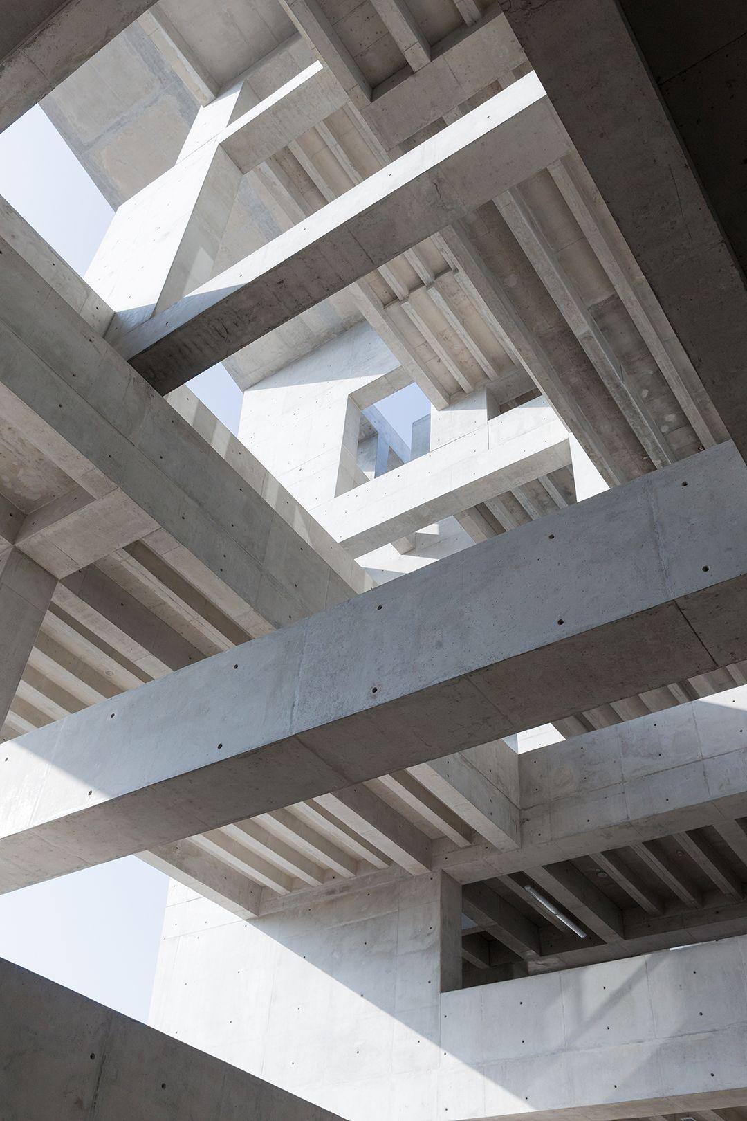 Vista Interior de la nueva sede de la UTEC por Grafton Architects y Shell Arquitectos. Fotografía © Iwan Baan. Imagen cortesía de los MCHAP.