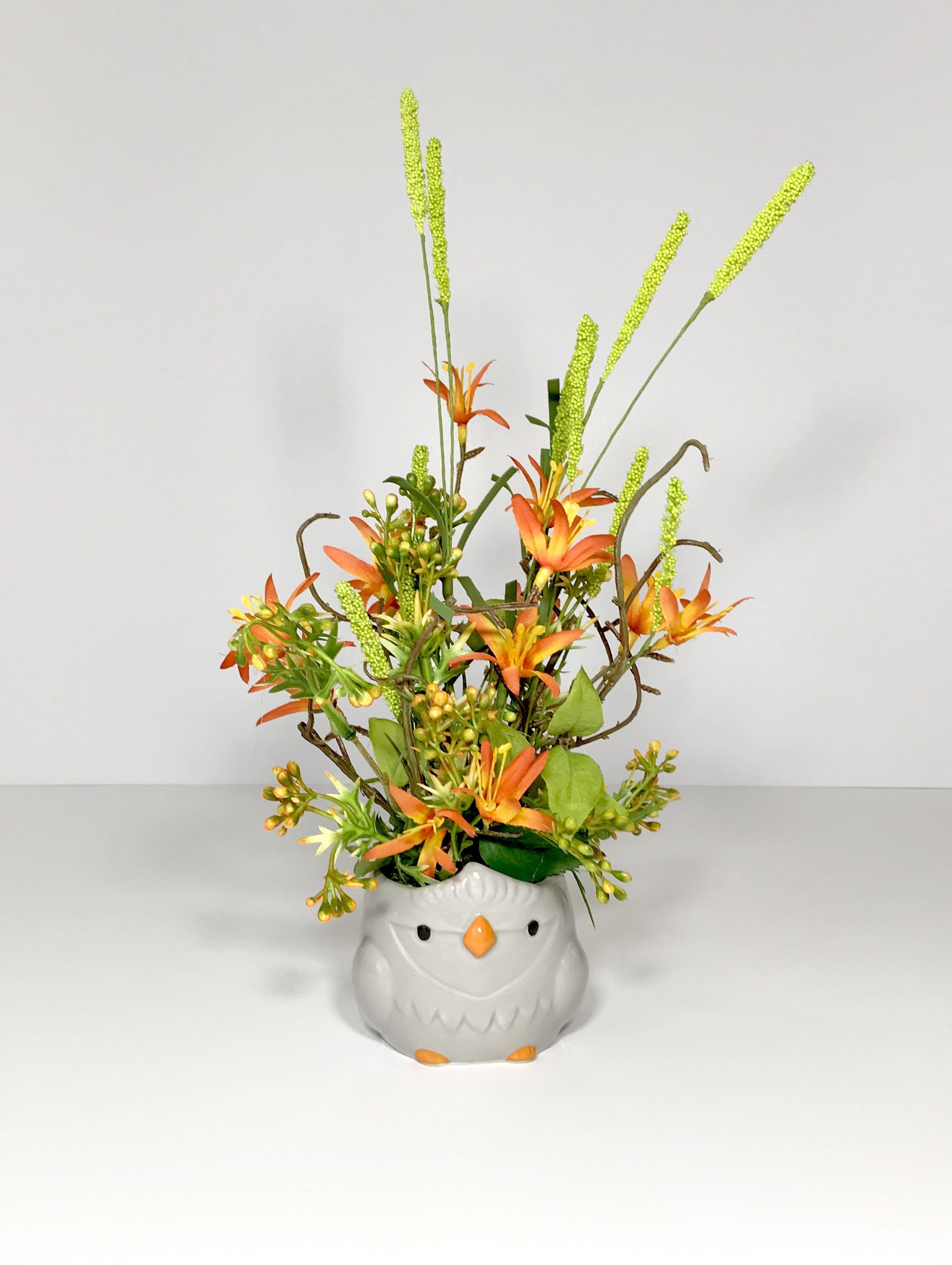 Small Ceramic Gray Owl Novelty Floral Arrangement Orange Flowers Decoration Spring Summer Floral Table Decoration Gift Present New In 2020 Flower Decorations Summer Flower Arrangements Flower Table Decorations