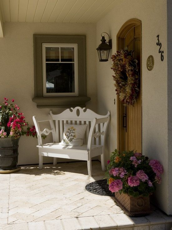 40+ Front Door Flower Pots For A Good First Impression | Porch ...