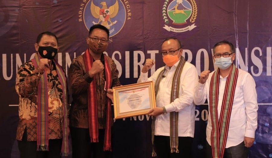 Pin Oleh Lombok Insider Di Lombokinsider Com Di 2020 Kembar Kelahiran Anak Humas