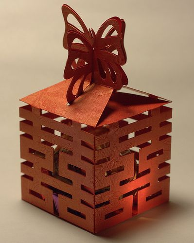 Chinese wedding favor box. The beauty of laser-diecutting. A high tech trend that is here to stay.