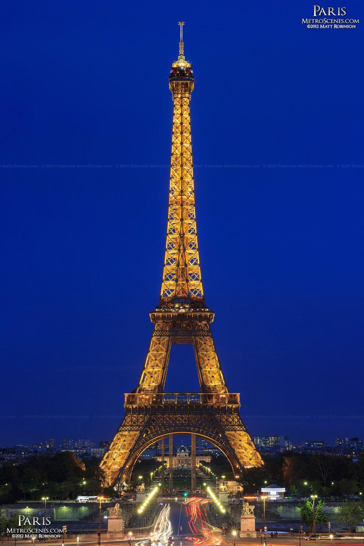 Eiffel Tower At Night Metroscenes Com Eiffel Tower At Night Tour Eiffel Eiffel Tower