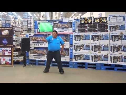 Dancing Salesman Knows How to Draw a Crowd - Neatorama