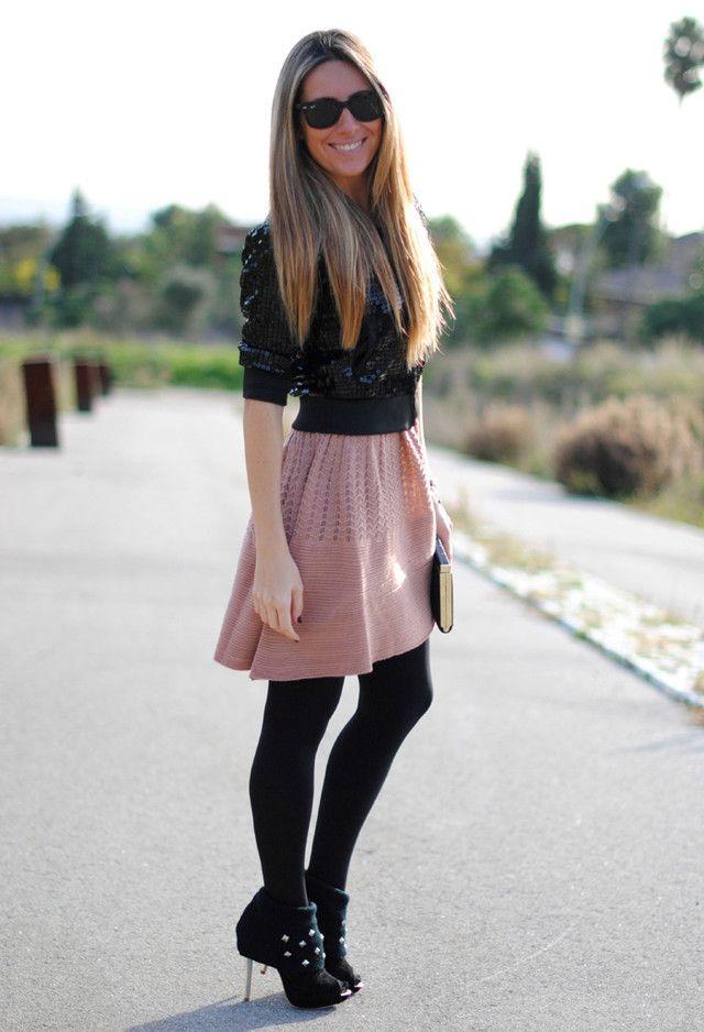 Vestido rosa medias negras