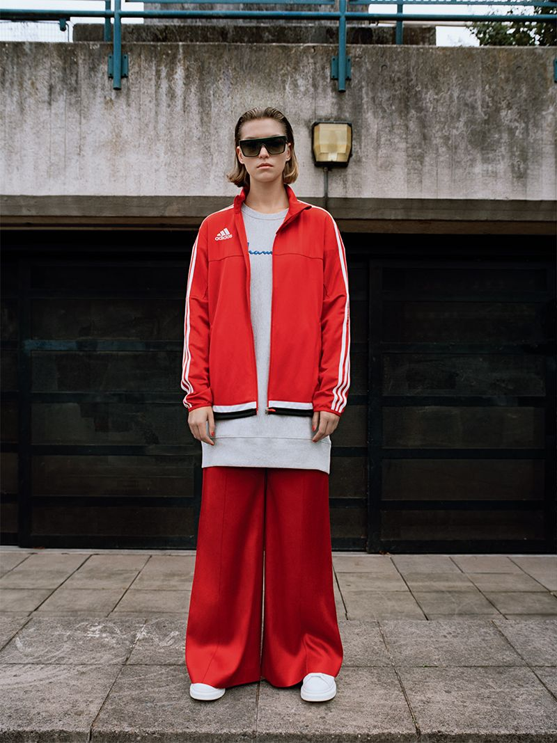 In a Coaching Mood: Arizona Muse by Yelena Yemchuk for Vogue Italia August 2016 #sporty #athleisure #tracksuit