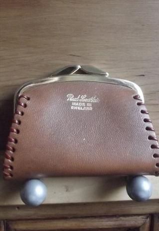 44e1b71941 Small brown leather vintage coin purse with gold clasp