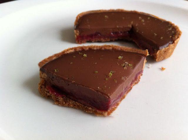 tarte framboise, chocolat, pointe de cumbawa