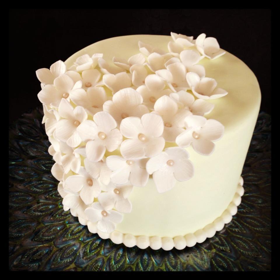 Cake Decorating Fondant Pearls : fondant hydrangeas cake, hydrangeas, fondant, cake ...