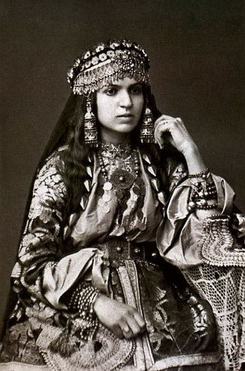 armenian girl | Lands and Peoples | Armenia, Armenian