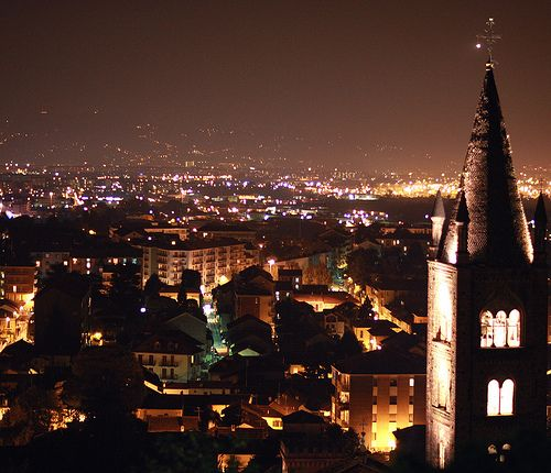 Rivoli -  Panorama dal Castello  #rivolley #rivoli #volley #pallavolo #castellodirivoli #museo #contemporaryart #residenzesabaude #torino #panorama #notte #night