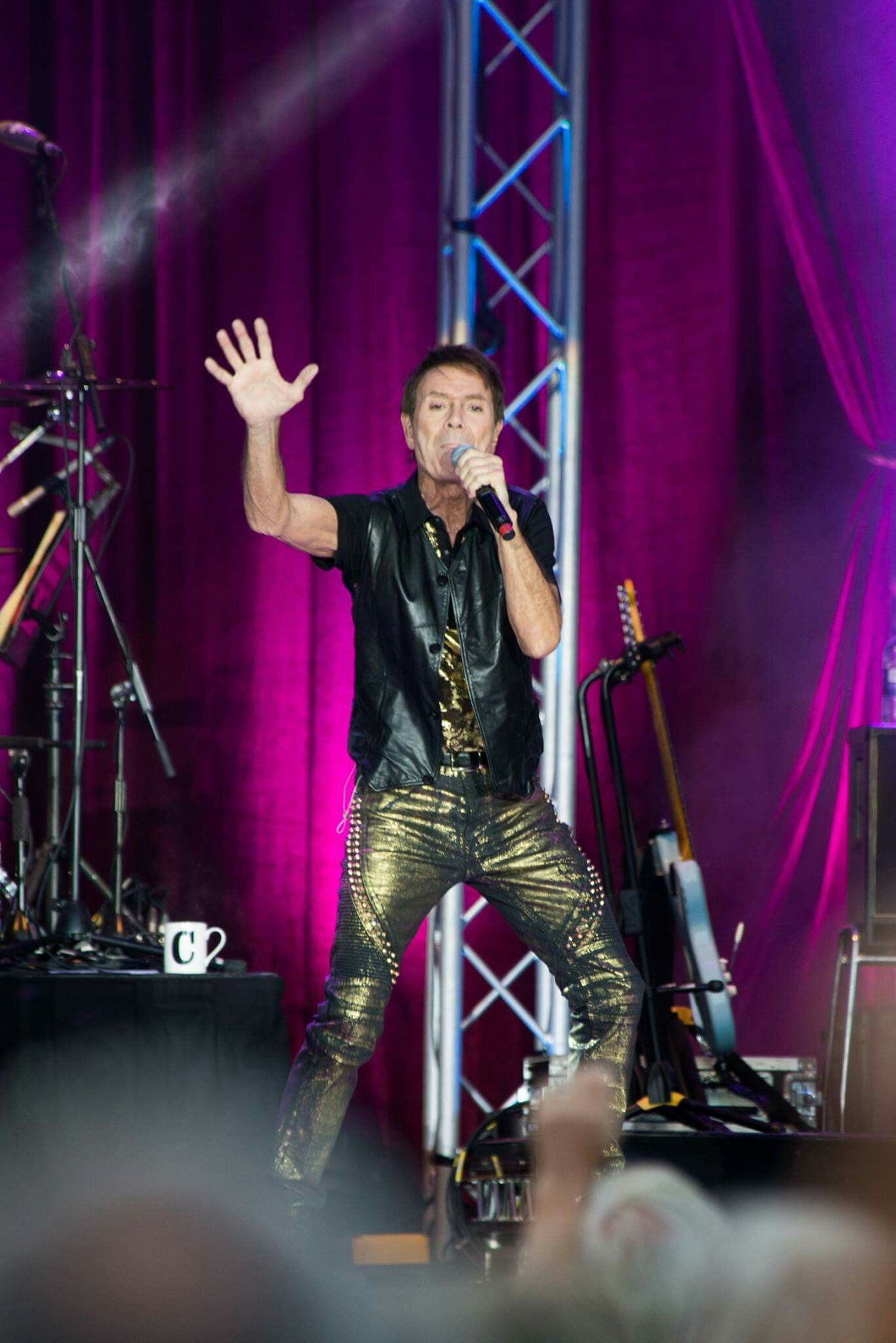 Pin By Mary Fessler On Cliff Sir Cliff Richard David Tennant Cliff