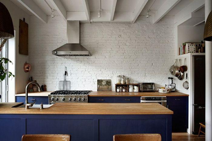 1001 designs et conseils pour la cuisine rustique - Cuisine en bois blanc ...