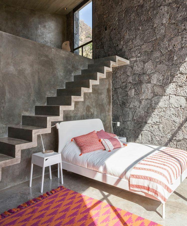 Wohnideen Natursteinwand wand aus naturstein und beton im schlafzimmer wohnideen fürs