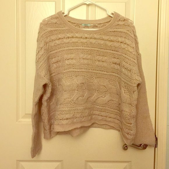Beige knitted sweater Beige knitted sweater. Very cute and comfy! Kimchi Blue Sweaters Crew & Scoop Necks