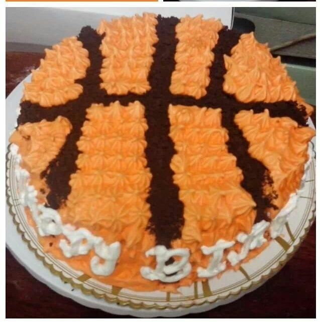 Basketball Cake With Boiled Icing And Chocolate Frosting Different Kinds Of Cakes Chocolate Frosting Basketball Cake