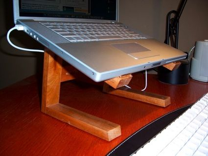 10 Cheap Easy Diy Laptop Stands Diy Laptop Stand Wooden