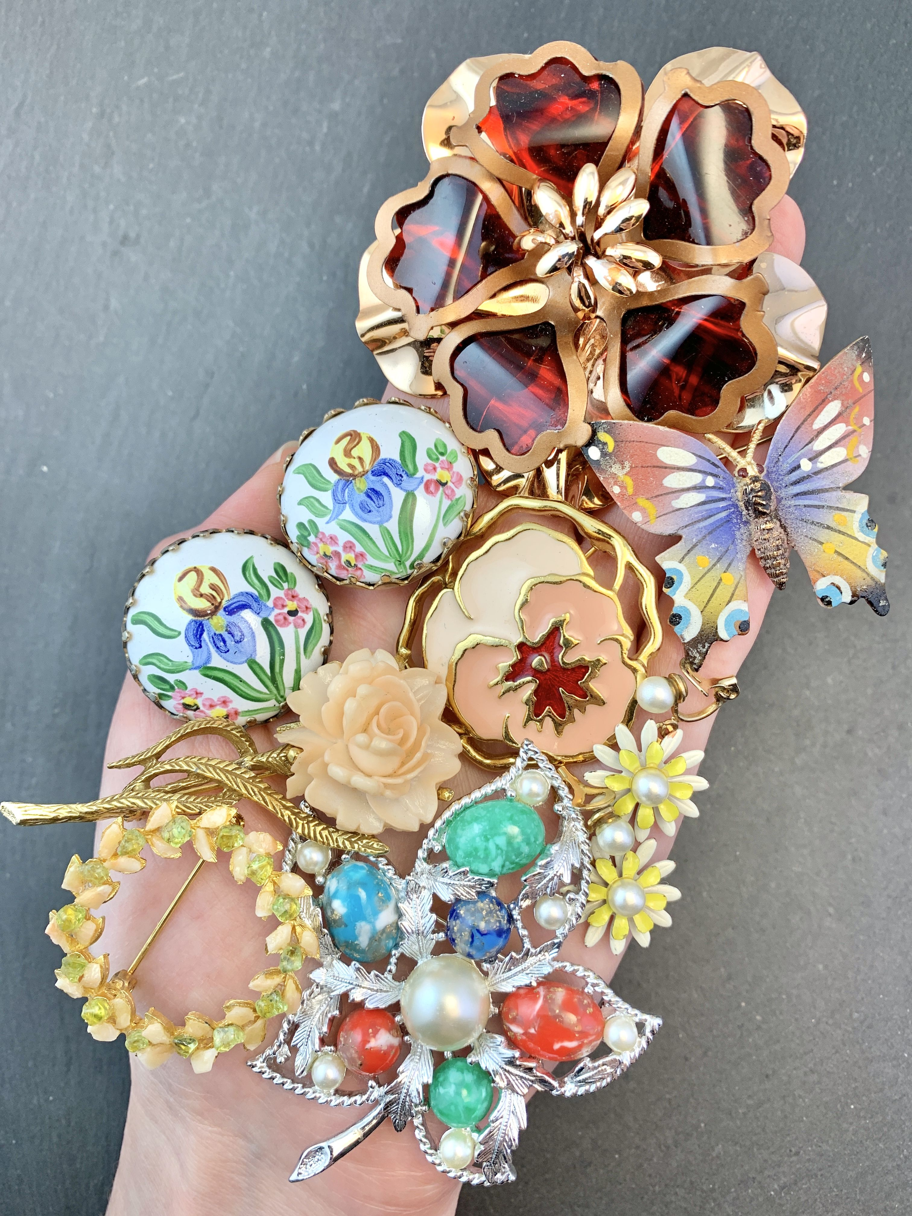 Follow me on Instagram @eVintique or visit my eBay shop evintique.com💕 vintage jewelry, vintage accessories, vintage fashion, spring fashion, flower jewelry, insect jewelry, summer fashion, spring style, women's jewelry, #vintagestyle #vintagefashion #vintagejewelry #brooch #pins #earrings #springstyle #springfashion #springoutfits #summerstyle #summerfashion #summervibes #womensaccessories #womensstyle