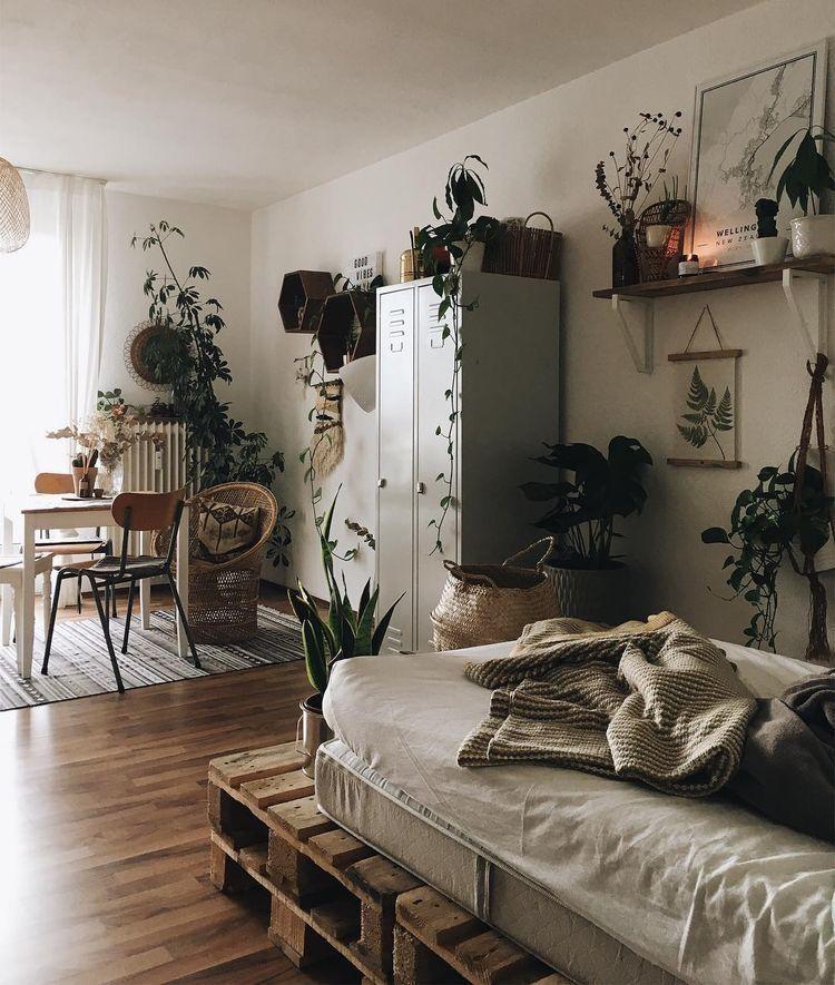 Pin by Tiểu Đào on Airbnb Apartment | Quartos, Quarto ... on Pallet Bed Room  id=55218