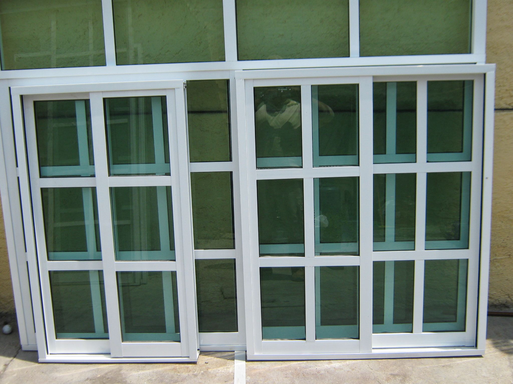 Ventanas de aluminio puertas pinterest ventanas de for Colores de aluminio para ventanas